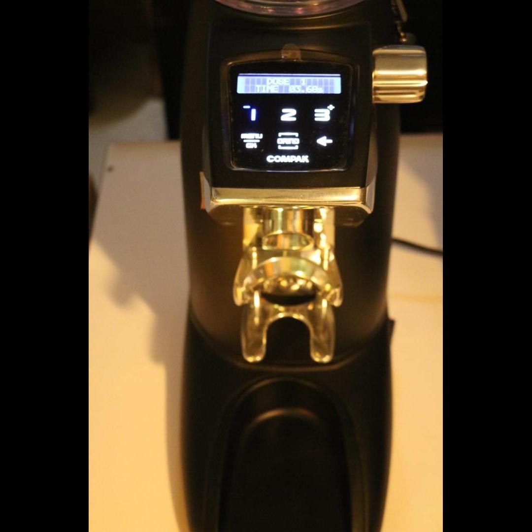 آسیاب قهوه کامپکت f8 کارکرده