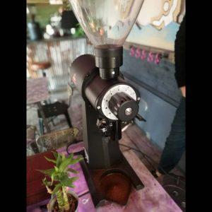 اسیاب قهوه مالکونیگ ek43 (کارکرده)